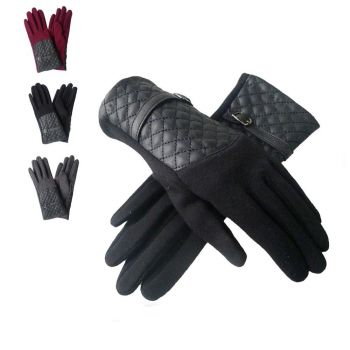 Quilted Panel Buckle Strap Gloves
