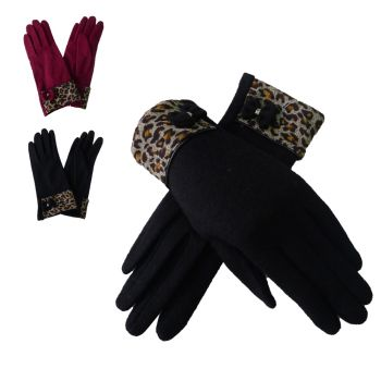 Wool gloves with contrast gloves